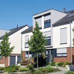 Wir produzieren auch Seiten- Dachfenster und Giebelfenster